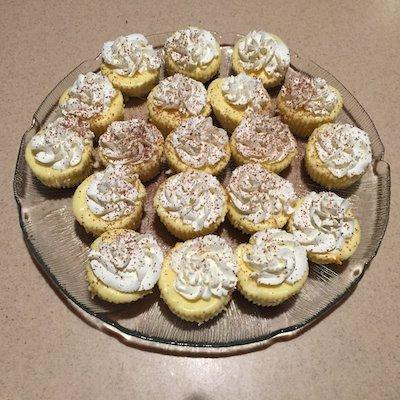 Tiny cheesecake platter